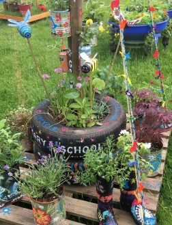 School garden displays offer ingenious ideas for simple planting