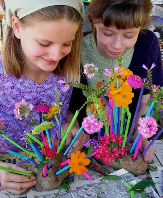 Flower Arranging in Straws and Potato